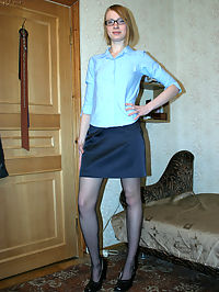 Pantyhose nerd blonde plays with herself