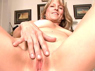 Hot milf Berkley plays with her mature pussy