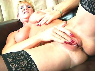 Short blonde haired granny finger bangs her fuck hole at Anilos