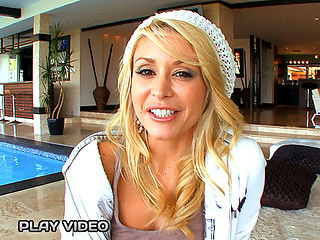 You guys are gonna love todays episode of Milf Lesson! We have Alex Gonz and the sexy blonde bombshell Monique Alexnder.