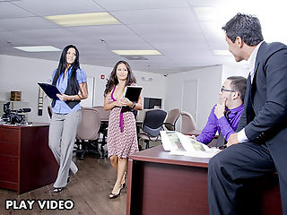 Nice day at work this amaizing hot asian milf working as a secretary very hot girl!