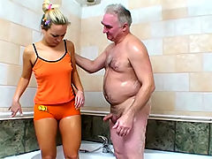 Teen fucked in tub : Teen girl gets fucked in the tub by old dude