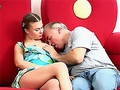 Old guy fucks teen : Very cute teen girl rides an old dudes dong