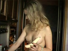 Hot girl gets naked and touches herself : Valeria snacks on the couch naked!