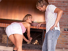 Jane Darling : Sweetie anally banged by the fire by her horny boyfriend