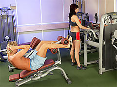 Lea Magic : Very horny teenage babe butthole fucked at the local gym