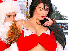 Simone Shine : Horny santa claus fuckin very naughty chick anally hardcore