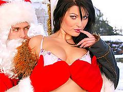 Simone Shine : Horny santa claus fuckin very naughty chick anally hardcore
