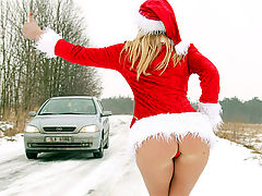 Jane Darling : Some horny guy banging very cute christmas babe outdoors