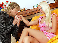 Paula White : Blonde babe gets anally fucked hard and filled with spunk