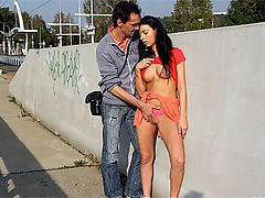 Zdenka : Old guy publicly banging his willing girlfriend outdoors