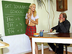 Veronika : Old senior teacher fucking chick with his penis hardcore