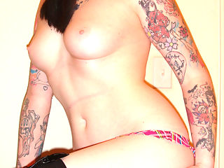 Emo GF gets naked to tease