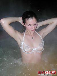 Smokin hot Pam strips in a steamy hottub!