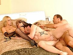 Big Tit Bisexual Banging : Hot big tit chick Kelly Wells loves having her pussy licked and with two hot bisexual hunks, she sure had her pink pussy munched on a lot. She spreads wide to get just that while another hot hunk is having his tight ass fucked hard from behind.