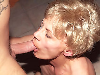 Mature Babe Slurps Cock : We have this hot clip with a sexy older woman named Eve. Shes in her prime years and nothing excites her more than a chance to get her hands on a younger mans dick. We gave her one and let her do as she pleases and took it in different positions.
