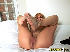 Slutty Soles free porn videos that you can watch : MILF Lola struts her stuff in black pantyhose and hot-pink strappy heels because she likes to put on quite a show...for your cock. She parades around in her sexy outfit for your voyeuristic pleasure and then strips it off to show you her green toenail polish and sleek soles. Watch as she fingers her pussy and slides nylon mesh in and out of the spaces between her toes. And while she strokes her arches and rubs her clit, she has an explosive orgasm, just for you. free porn videos that you can watch and see if you can cum when Lola does.