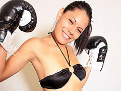 Knockout : Pretty Cici Amor teasing in her boxing outfit