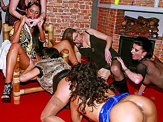 Drunk girls are hot : Its only fucking part 2 of the latest PH party, and already this group of very lucky amateur chicks are showing what kind of fuck pros they really are! Some chicks take on 2 cocks for the first time, others cant resist the calling of the stripper cock and have to bump and grind with the hunky dudes around!