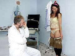 Doctors orders : A young girl is visiting her doctor. He tells her to undress completely and when she is naked he starts licking her nipples. The girl objects but he continues, shoving his dick in her mouth. Later on he fucks her in a gyno chair.