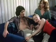 The audition : A young man auditions for a part in a play. A soon as he is in the office the manager, a woman, has him seated on a couch where she gives him a blow job. Another woman enters and takes over the job. A little later the guy fucks the manager.