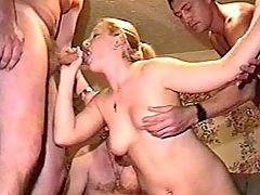 Drunk Amateur Orgy : Orgy erupts after a few pints