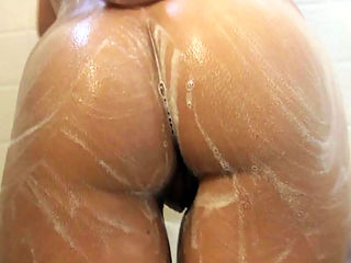Chrissy in Shower : Look at my hot ex beauty soaping her huge boobs, shaved pussy and bubble buttocks. Her body is really amazing, would you like to take a shower with her?