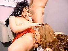 Jeanna Fine does a threesome in the clubs toilet