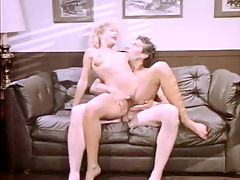 Secretary spreads for the boss in classic porn