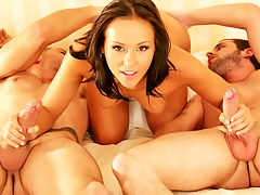 Hot Teen Sonia Red DPd : Teenslut Sonia Red fucking with two lucky guys