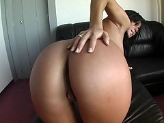 Perfect Body Brunette : Amazing body brunette gets pussy fucked and even analized by bigcock guy