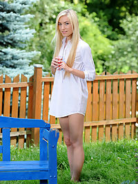 Nubiles.net Diana Fox - Playful teen Diana Fox strips naked in her backyard and masturbates : Playful teen Diana Fox strips naked in her backyard and masturbates
