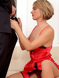 Anilos.com Hollybryn - Sensual cougar Holly Bryn rides a hard dick after giving head : Sensual cougar Holly Bryn rides a hard dick after giving head