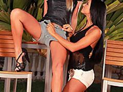 Ashley Bulgari and Natalia Forrest : Sexy slender babes having sex