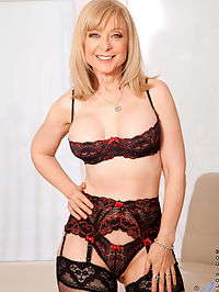 Anilos.com Ninahartley - Anilos Nina Hartley pleasures her pussy with her experienced fingers : Anilos Nina Hartley pleasures her pussy with her experienced fingers