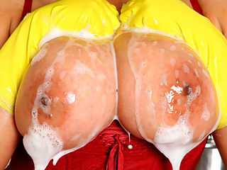 Getting Very Wet : Wheres the fun in washing up if a girl cant enjoy getting wet and soapy