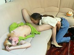 Viola and Marcus great pantyhose video : Sleepy babe in barely visible pantyhose getting banged hard from all around