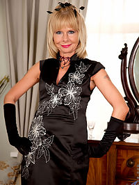 Anilos.com Cathyoakely - Blonde cougar Cathy Oakely wears sexy stockings as she rubs her mature pussy : Blonde cougar Cathy Oakely wears sexy stockings as she rubs her mature pussy