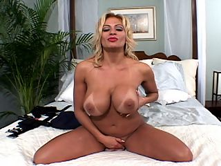 Busty Dildo Lovers 2 Lana Lotts : Its not easy being a girl and enforcing the law, said busty blonde babydoll Lana Lotts. Aint that the truth. Lana is stretching out her police woman uniform in the SCORE Classic Busty Dildo Lovers 2. Officer Lotts has just gotten back to her place after a hard day pulling over drivers who are trying to proposition streetwalkers and ticketing guys jerking off in strip clubs. Lana needs relief and she needs it now. Slowly removing her uniform for your eye-filling pleasure, Lana creams up her tits and plays with them in unusual ways. She lotionizes her pussy and fingers it good, getting off with each rub. A super-thick rubber cock is her next plaything. We move in extreme ultra-close to see how Lanas lubed pussy lips look wrapped around this monster and to check out her gorgeous, puckered brown-eye. It even squirts goo all over Lanas boobs. Her sexy mouth pours out a continuous stream of sexy talk with every rub and thrust. Even lady cops need to rub one out!