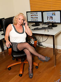 Anilos.com Rachellove - Rachel Love displays her big tits and shaved pussy in the office : Rachel Love displays her big tits and shaved pussy in the office