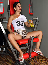 Sexy Rihanna Samuel Gapes Her Pussy at the Gym with ALS Rocket - 1272012 : rihannasamuel01