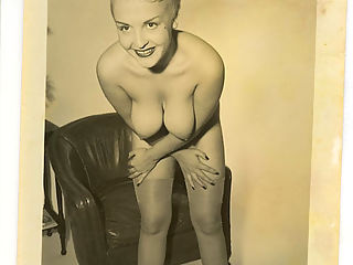 Vintage photos with lusty gals uncovering their treasures