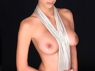 Breathtaking : Watch beautiful Susannas big round breasts through her white wet blouse! Generous as she is she allows you to see her whole gorgeous naked body!