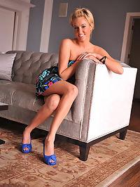 victoria : blue shoes