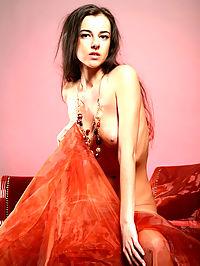 Organza : Martina flaunts her succulent curves