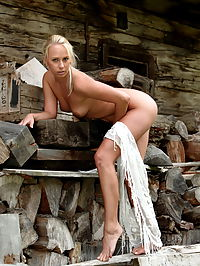 Carla : Blonde naked babe Carla posing nude with white shawl and show us her amazing body