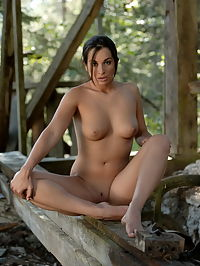 Elena : Teen babe with small tits and tight shaved pussy posing nude at the wooden ruin