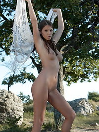 Angela : Nude art with big tits babe Adriana and her white shawl posing nude
