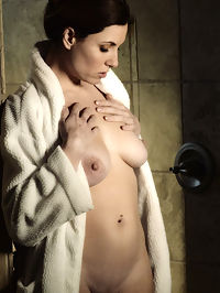 Dark Shower 1 : Jamie Lynn Dark Shower 1 by Chris King