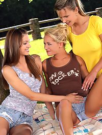 - Lesbian Threesome - Three blonde babes fucking outside